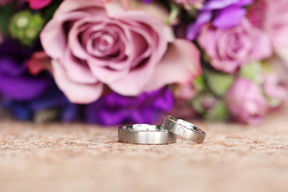 Hochzeitsringe Blumenstrauss Bilder Voller Liebe Einzigartige