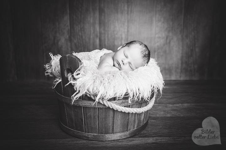 babyfotos-berlin-baby-kinderbilder-schwarzweiss-bilder-voller-liebe