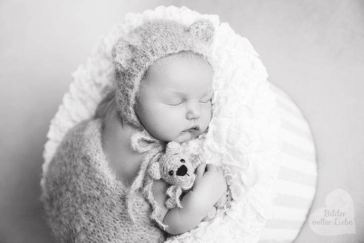 emotionale-neugeborenenfotos-berlin-brandenburg-neugeborenenfotografie-potsdam