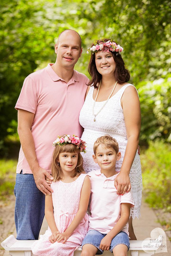 familienshooting-berlin-outdoor-fotoshooting-kindershooting-familiengeschenk-familienbild