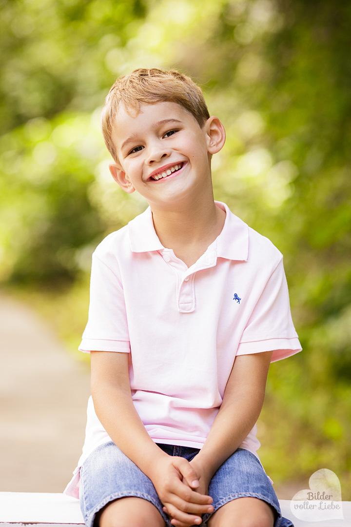 kinderfotos-berlin-kinderbilder-kinderfotografin-familienfotos-natuerliche-kinderfotos