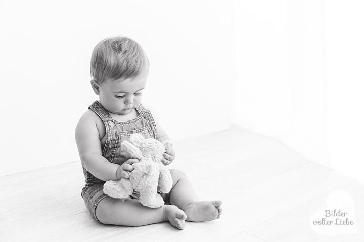 babyfotos-schwarz-weiss-berliner-fotografin